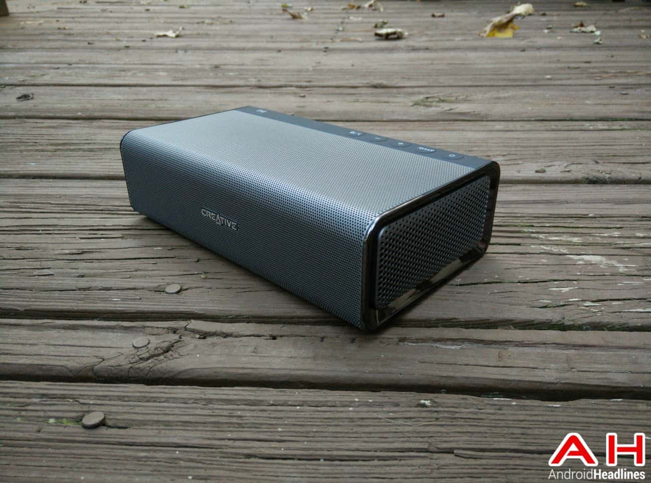 creative sound blaster roar bluetooth speaker1