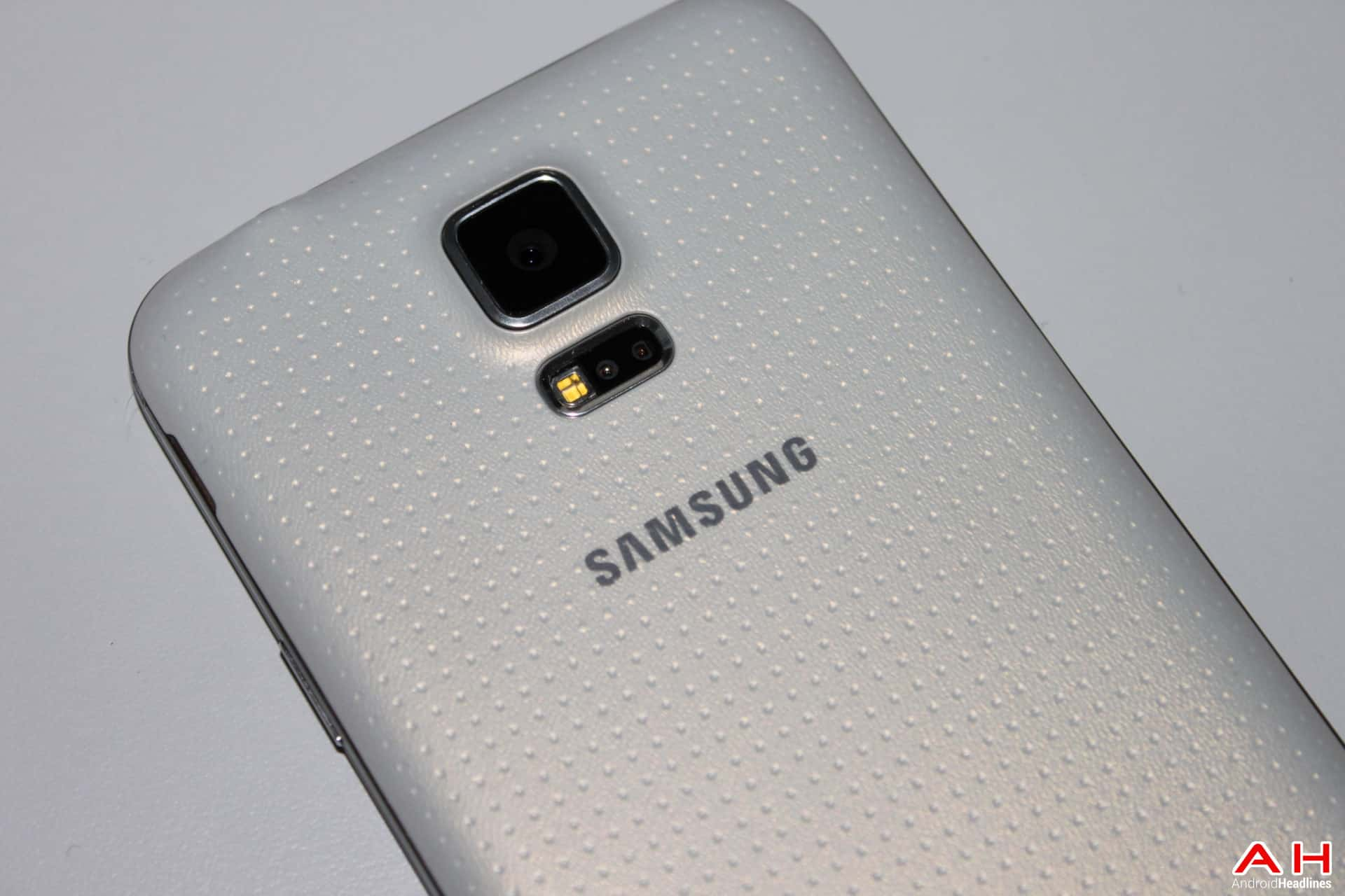 AH Samsung Galaxy S5 -16 LOGO