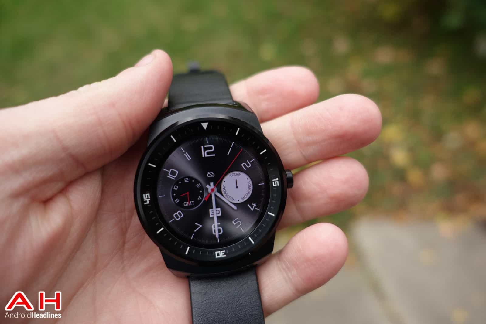 LG-G-Watch-R-AH-12