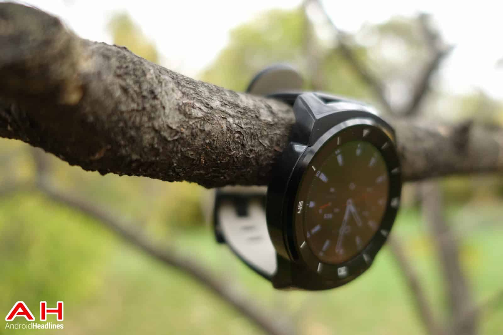 LG-G-Watch-R-AH-14