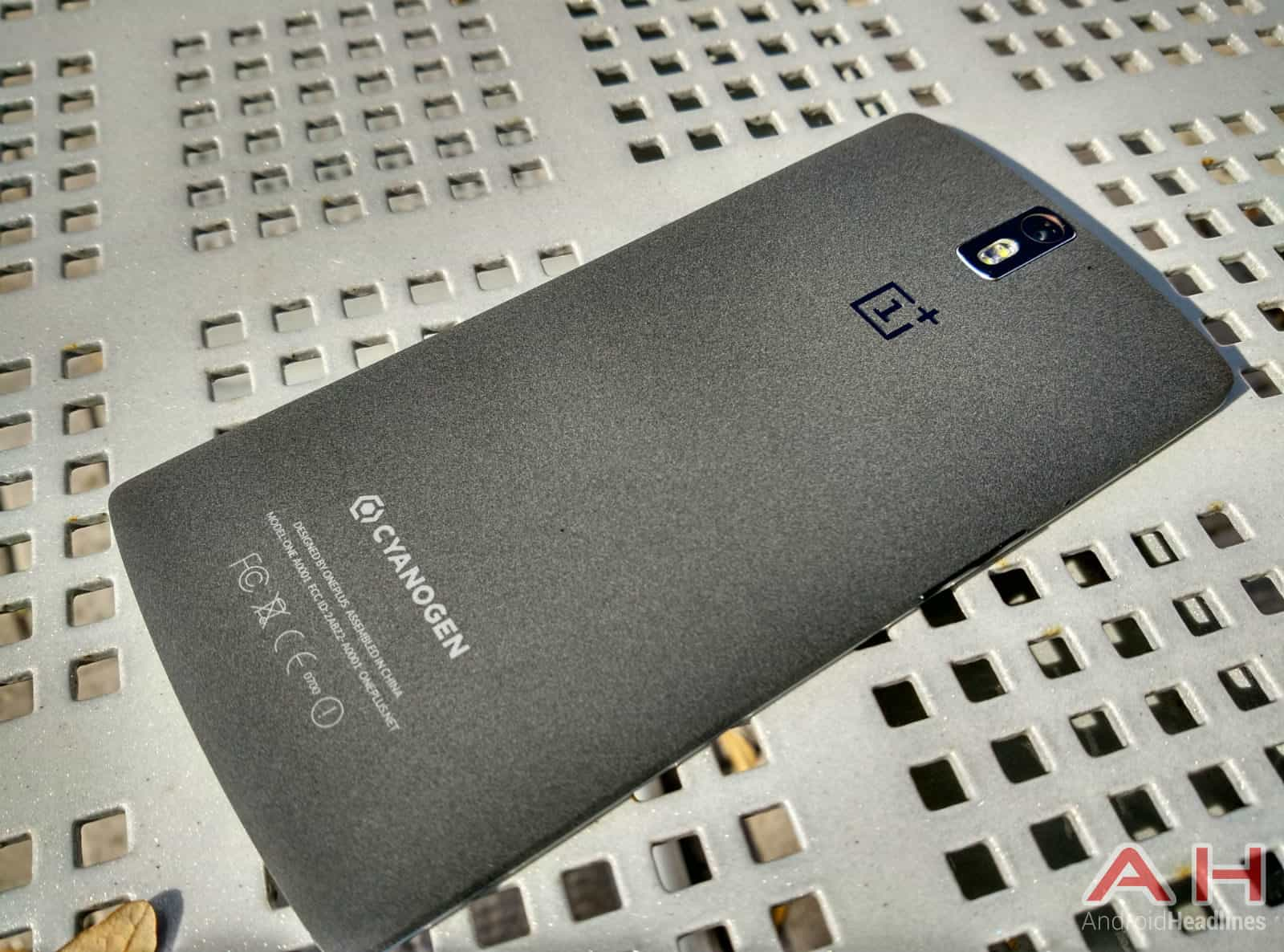 OnePlus-One-out1
