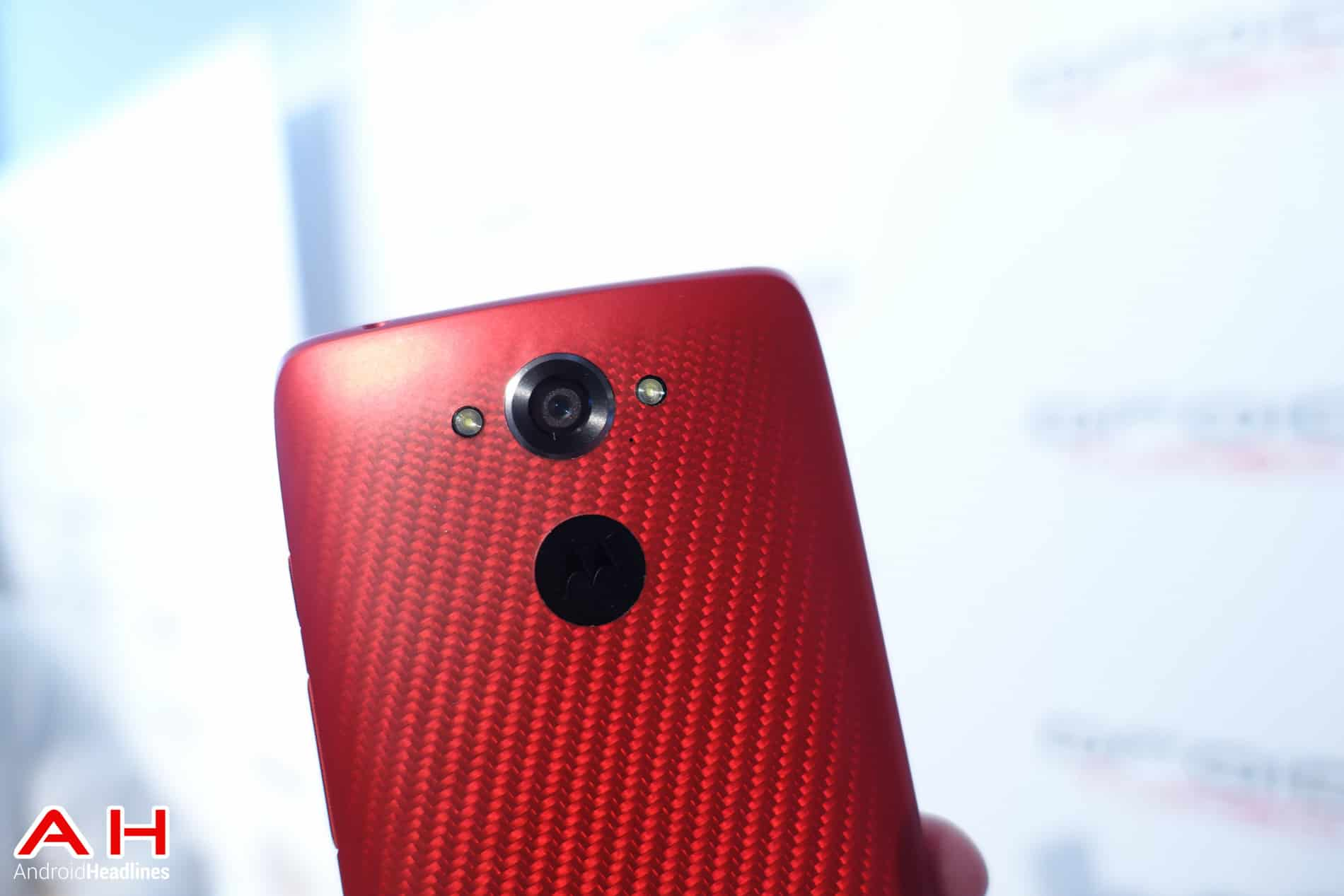 Motorola droid turbo does have qi wireless charging