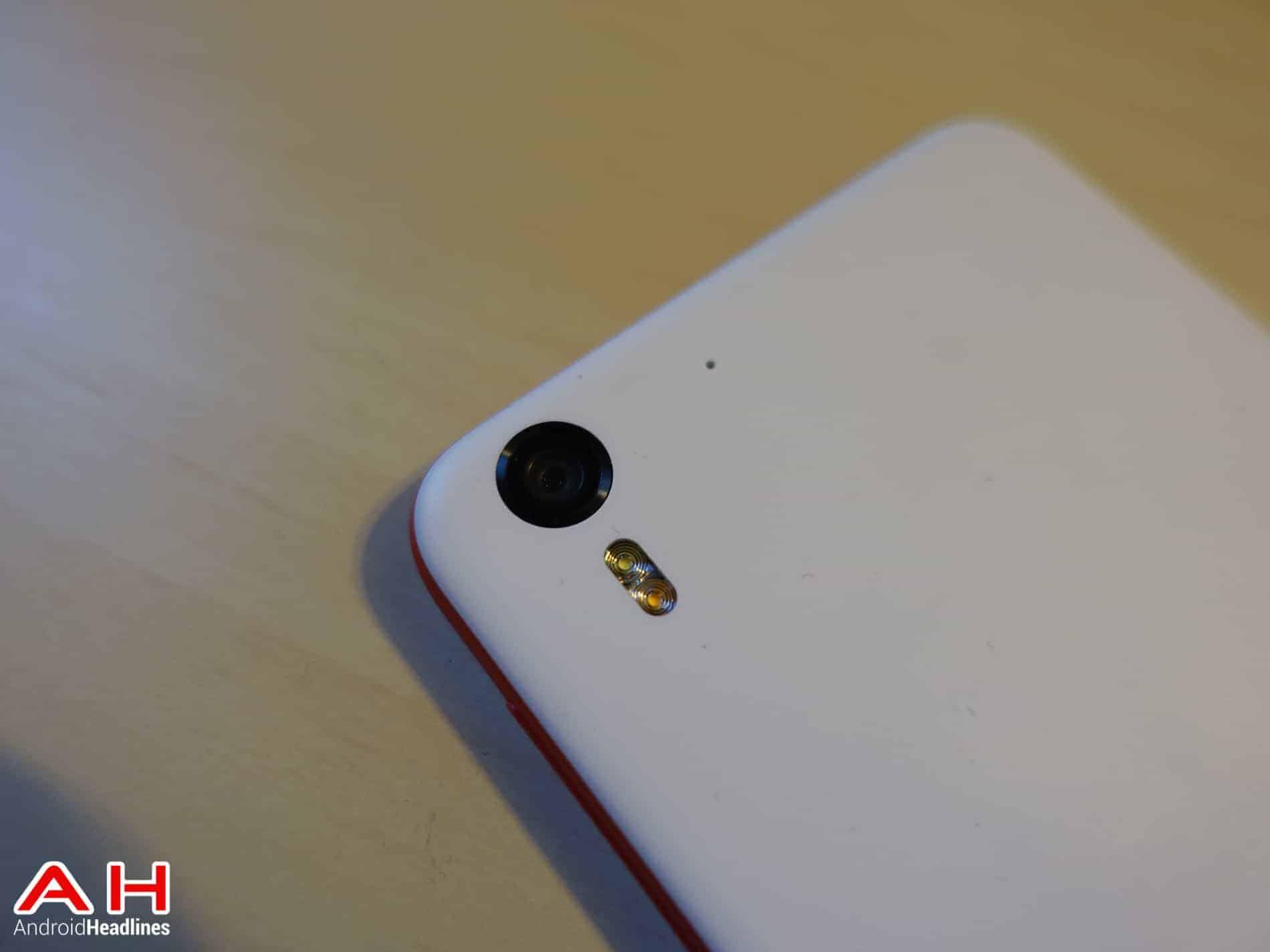 HTC-Desire-EYE-AH-1