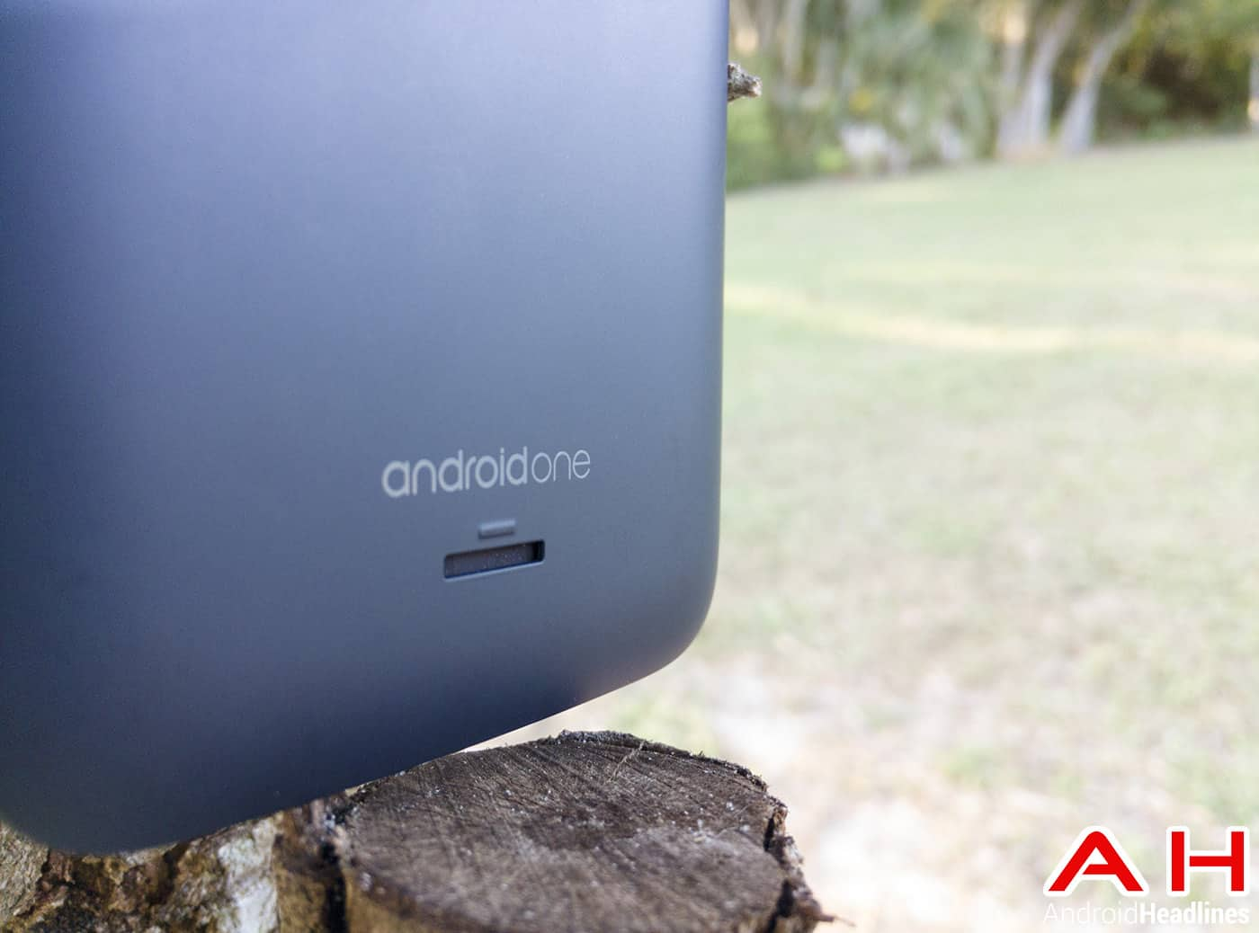 Karbonn-Sparkle-V-Android-One