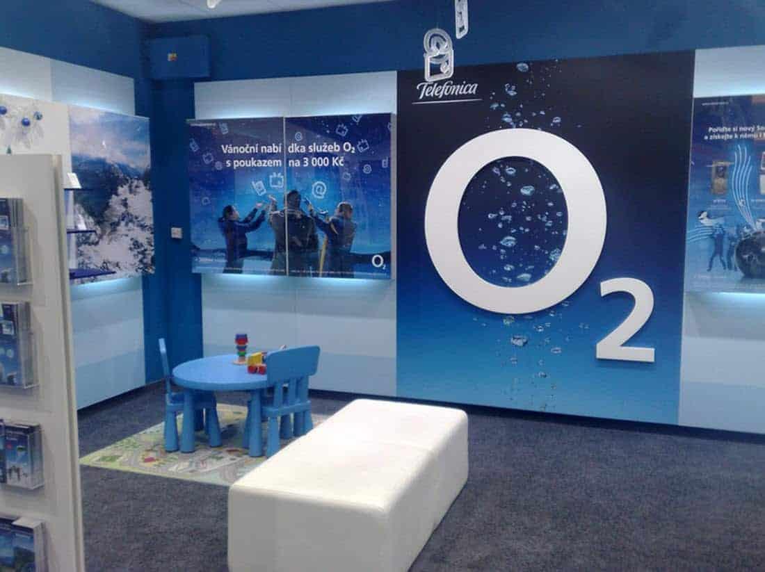 O2 Inside Store Main