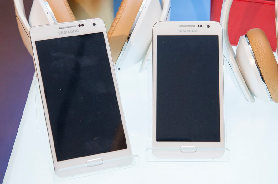 Galaxy A3 and A5_2