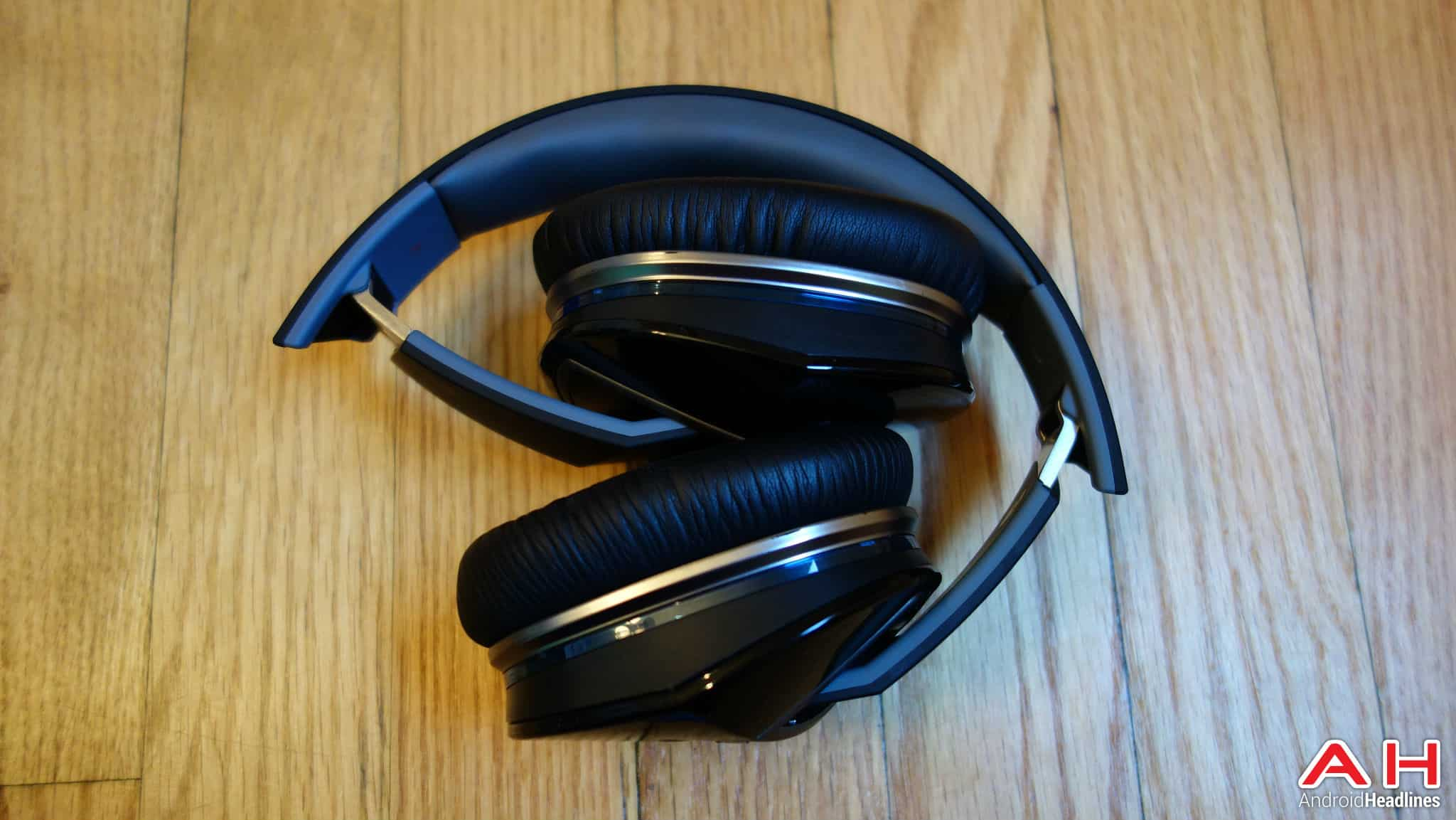 logitech ue 6000 headphones 1
