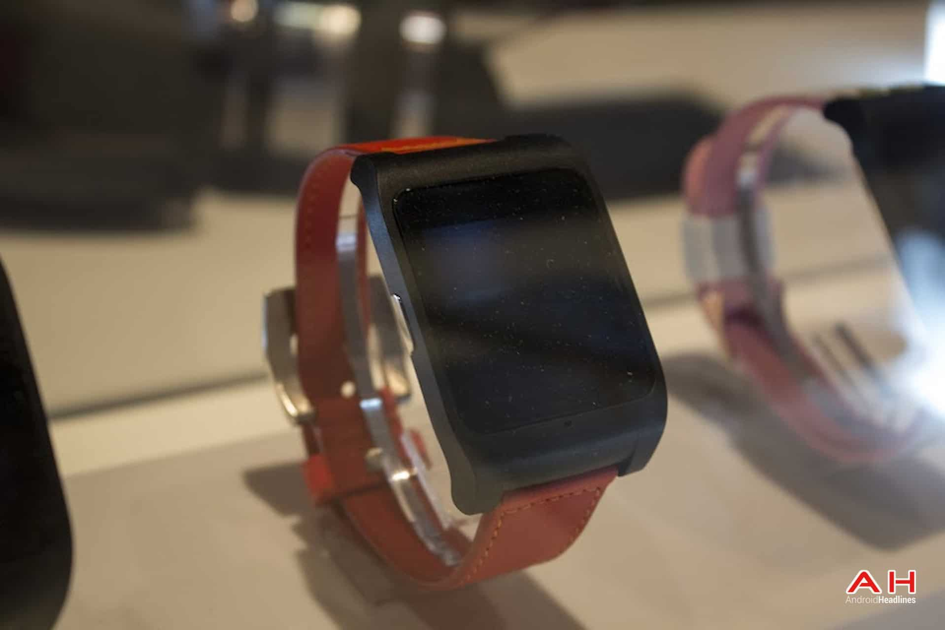 AH Sony Smartwatch 3-1