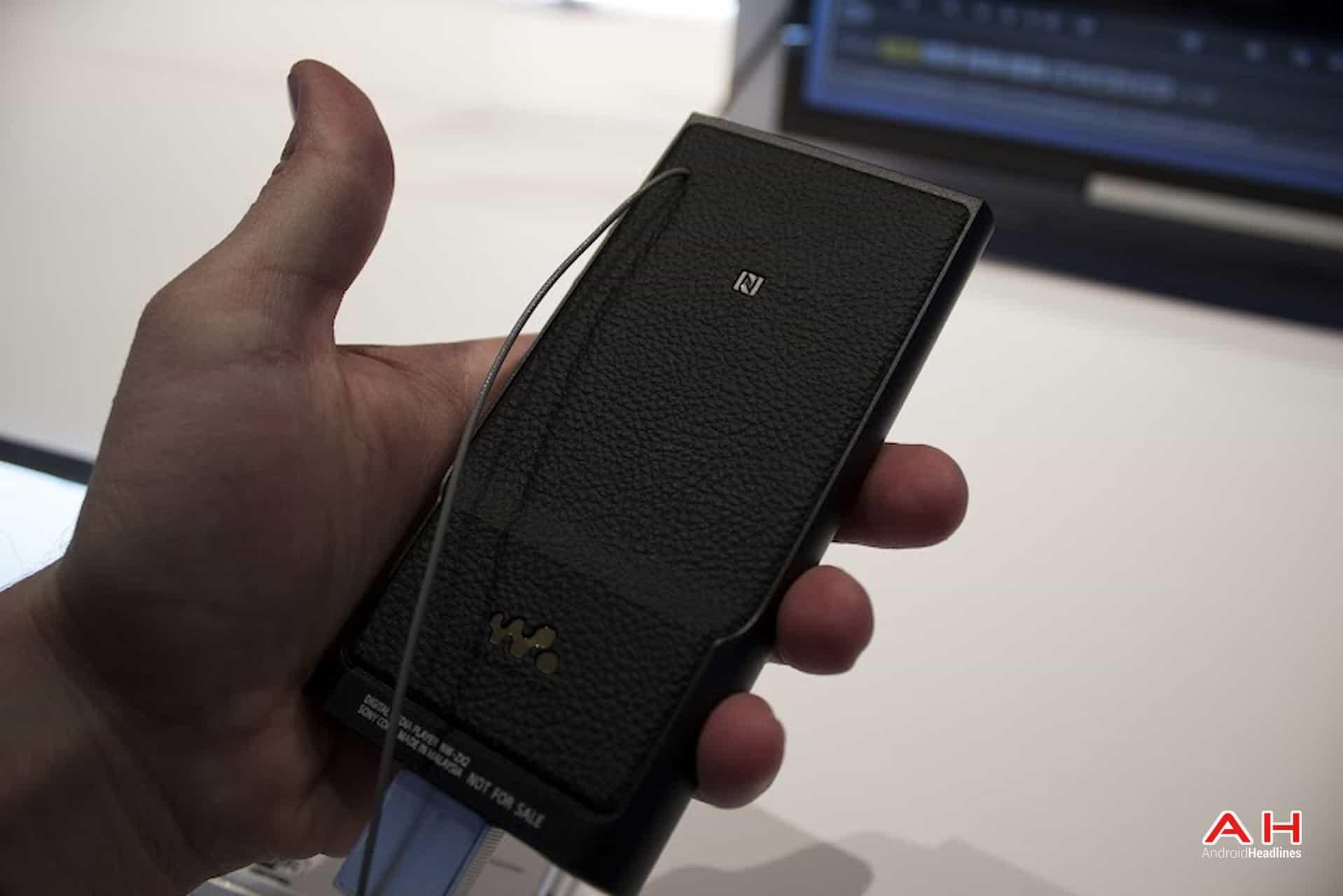 AH Sony Walkman ZX2 3