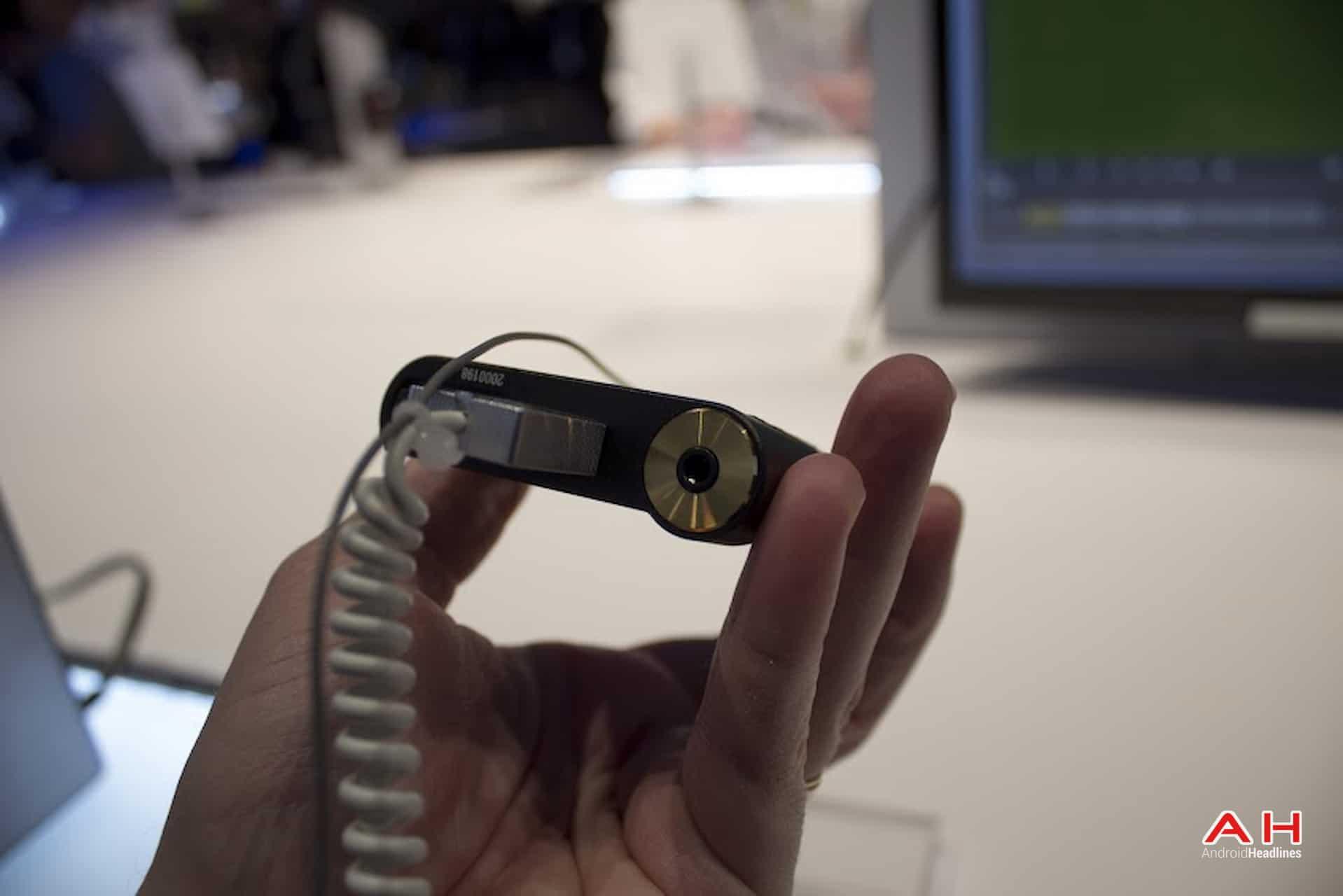 AH Sony Walkman ZX2 4