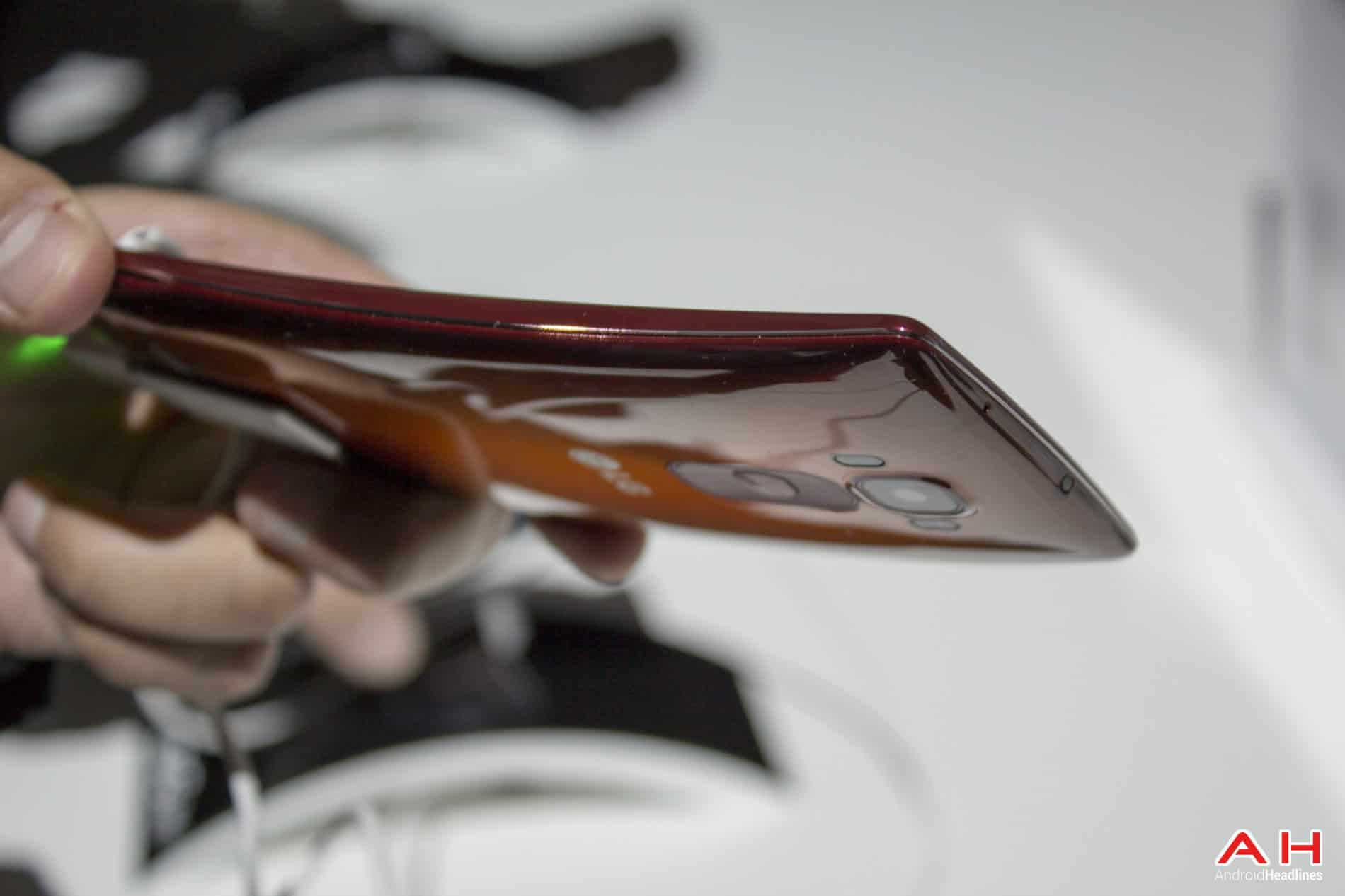 LG G Flex 2 Hands On AH 12