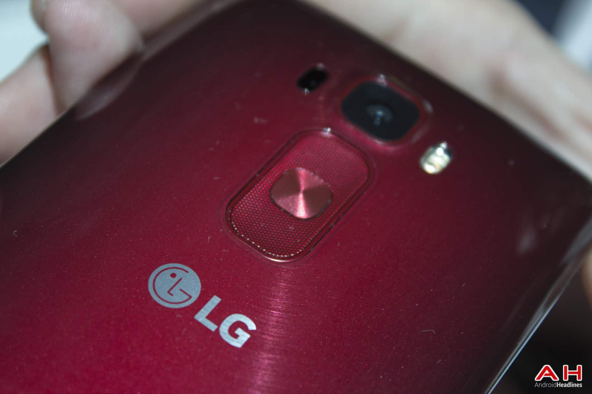 LG G Flex 2 Hands On AH 2