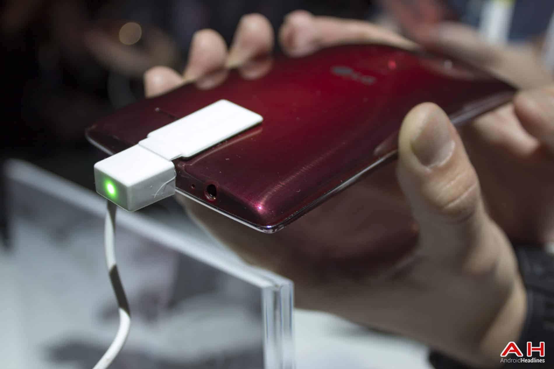 LG G Flex 2 Hands On AH 3
