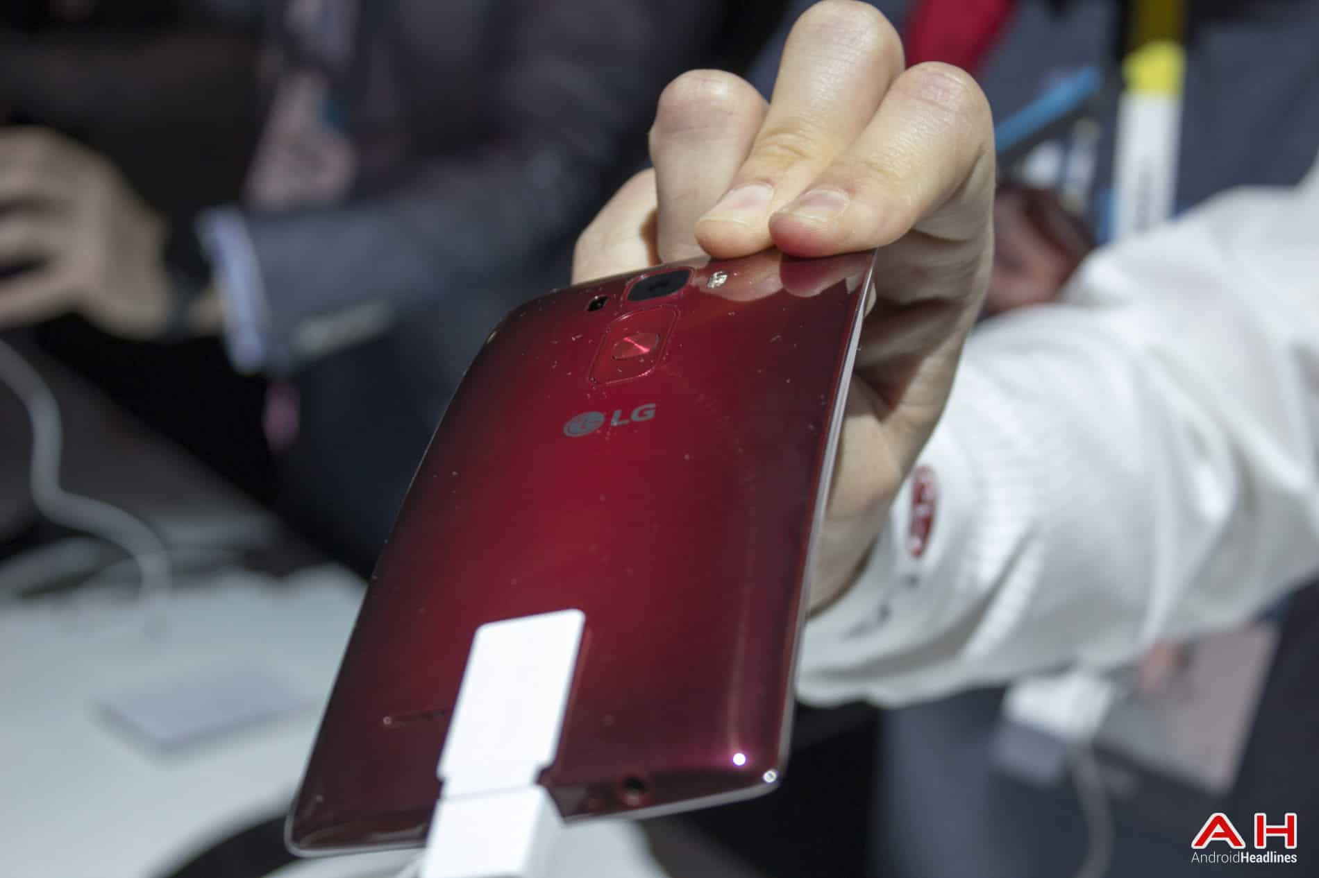 LG G Flex 2 Hands On AH 4