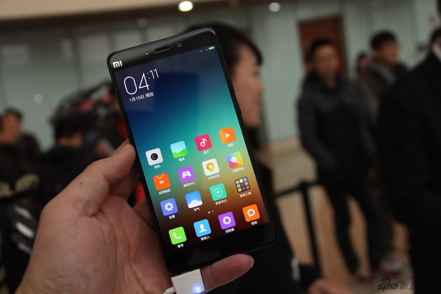 Xiaomi Mi Note and Mi Note Pro hands on Sina Technology 1