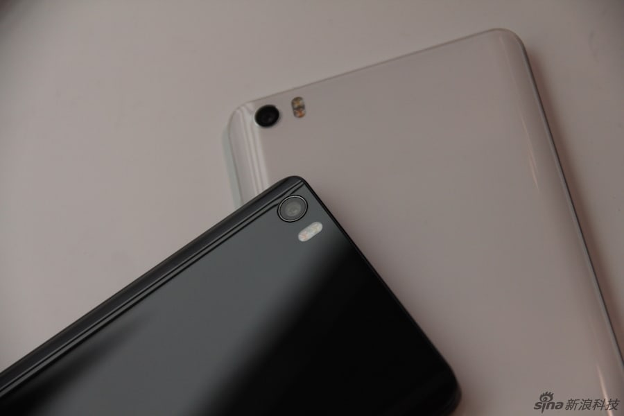 Xiaomi Mi Note and Mi Note Pro hands on Sina Technology 24
