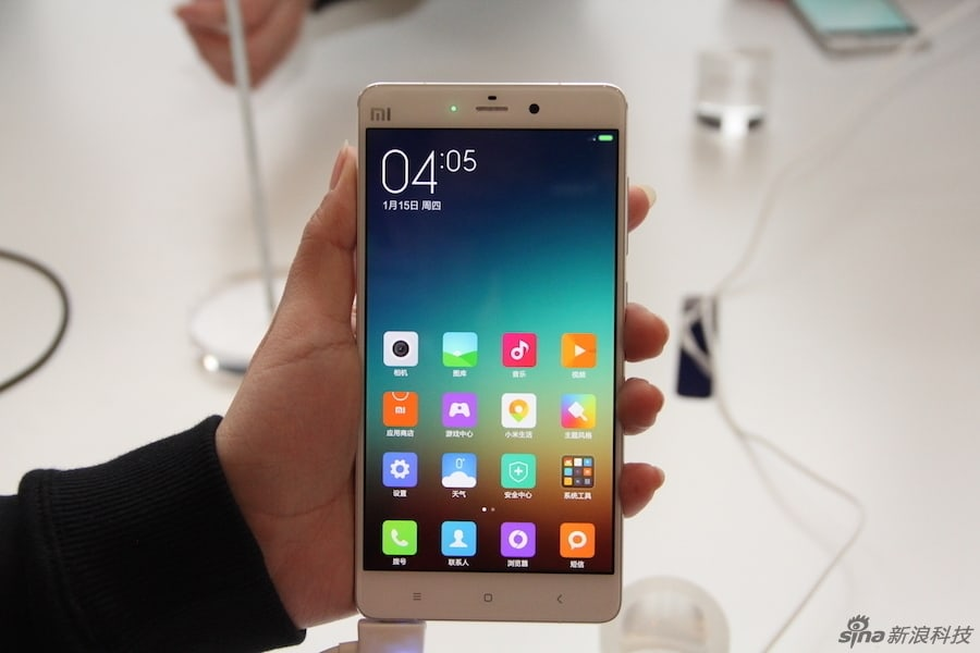 Xiaomi Mi Note and Mi Note Pro hands on Sina Technology 3