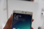 Xiaomi Mi Note and Mi Note Pro hands on Sina Technology 4