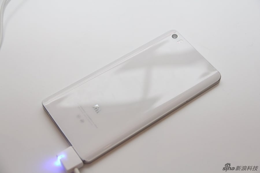 Xiaomi Mi Note and Mi Note Pro hands on Sina Technology 6