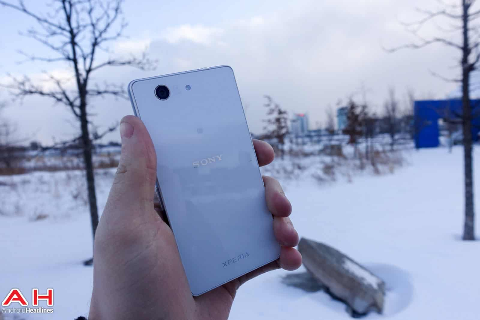 Sony-Xperia-Z3-Compact-AH-03793