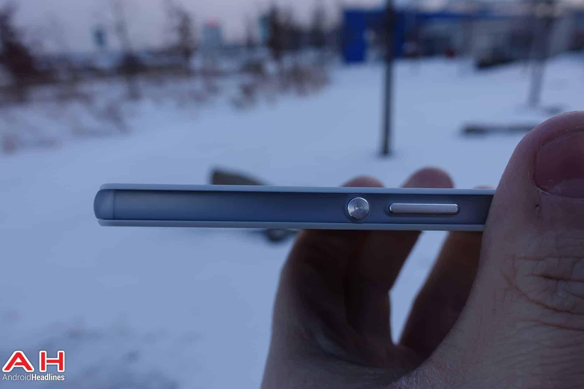 Sony-Xperia-Z3-Compact-AH-03795
