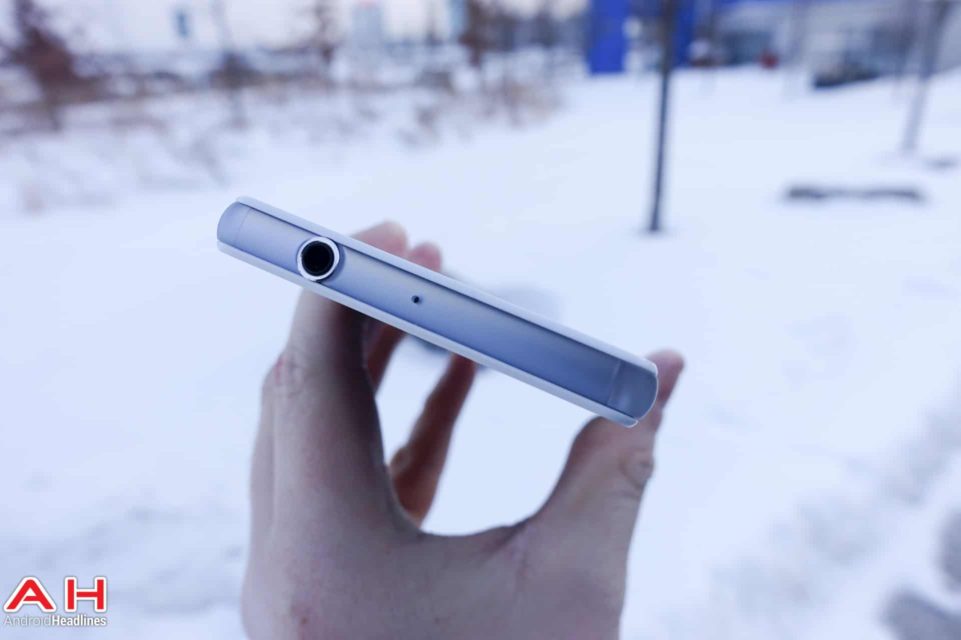 Sony-Xperia-Z3-Compact-AH-03796