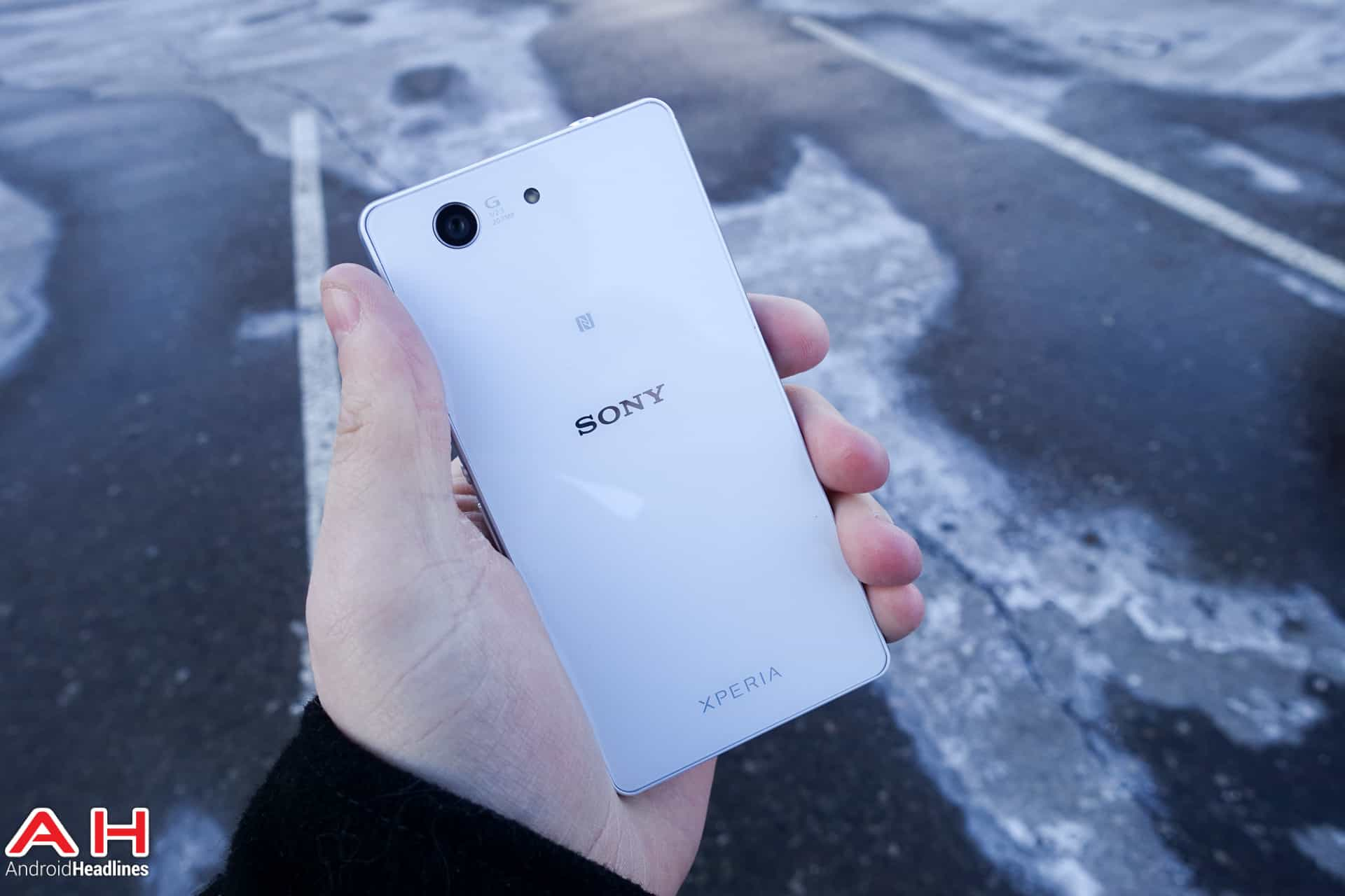 Sony-Xperia-Z3-Compact-AH-03797