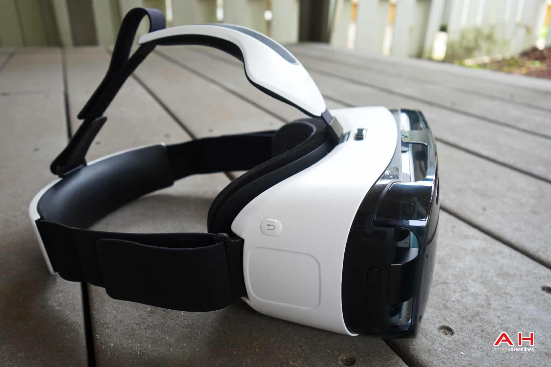 AH Samsung Gear VR-11