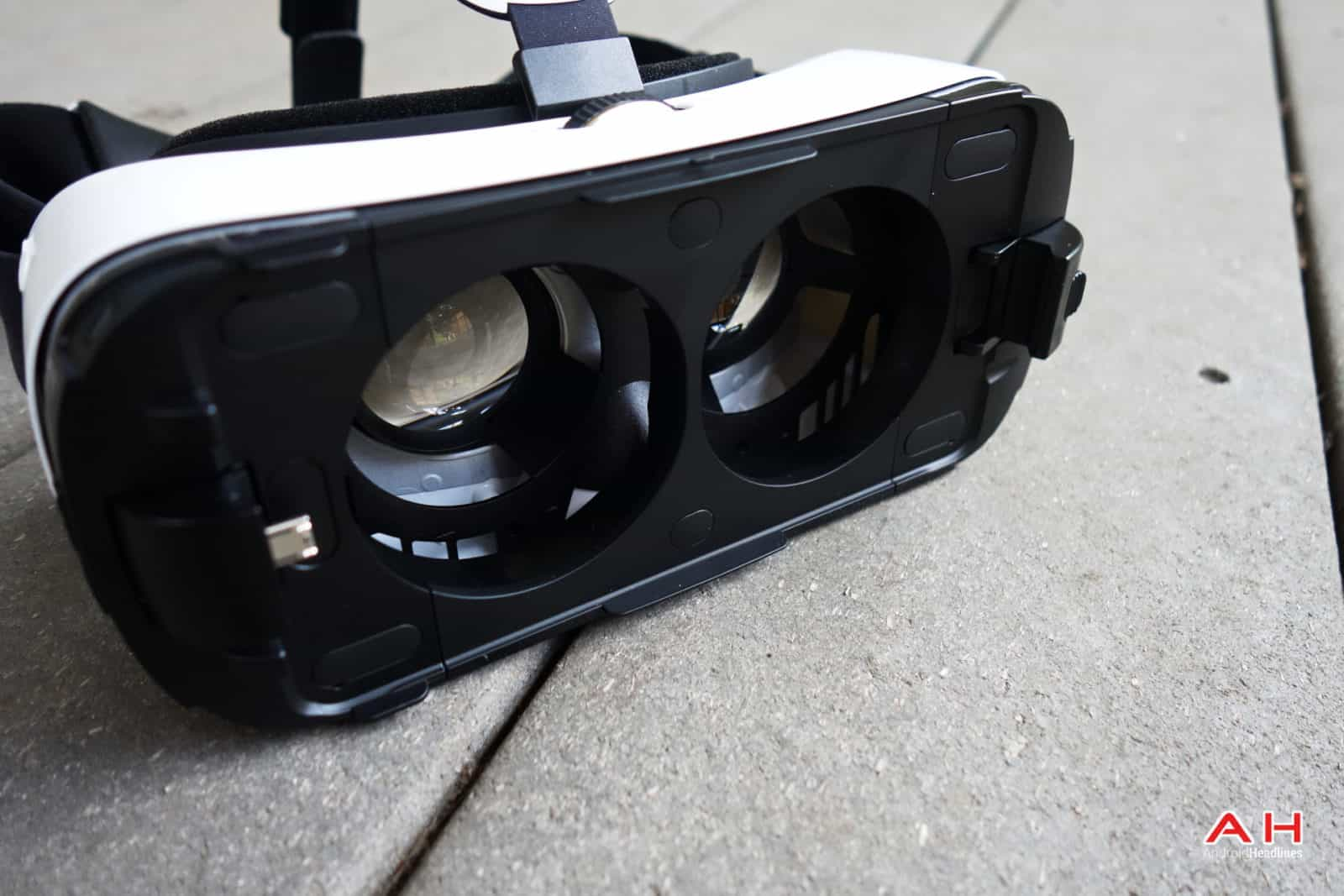 AH Samsung Gear VR-14
