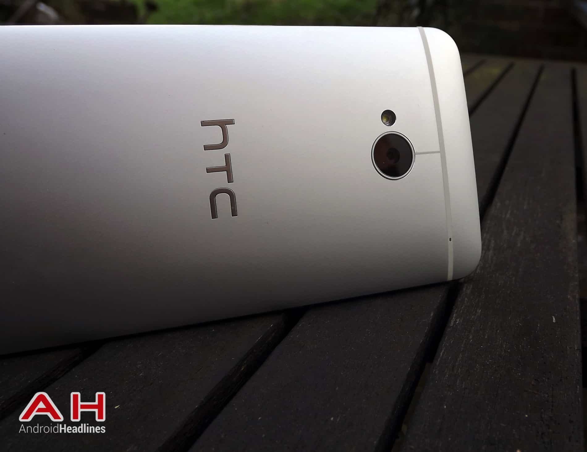 HTC One M7 HD AH 19