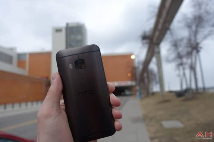 Featured: Top 10 External Battery Packs for the HTC One M9