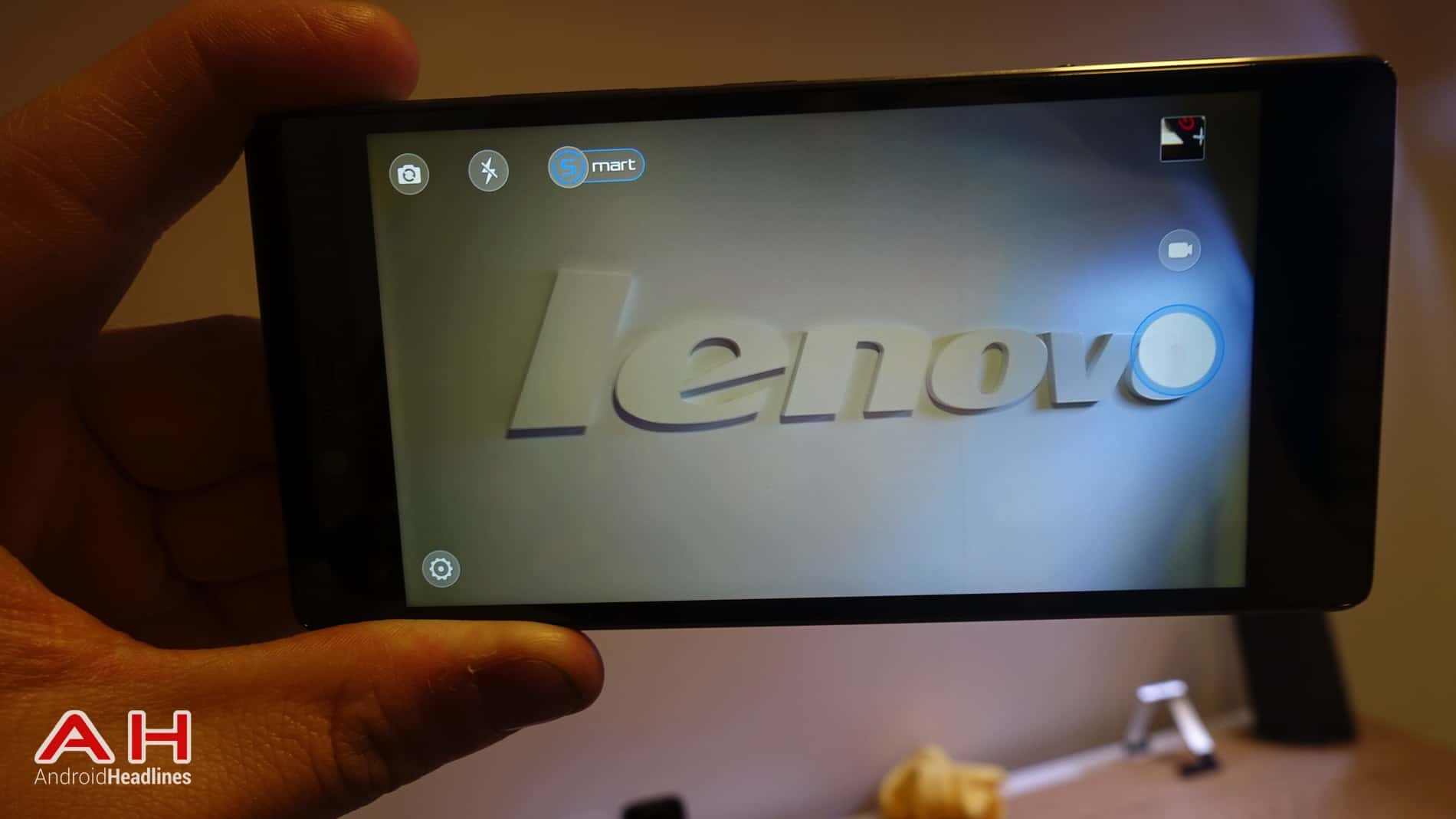 Lenovo Vibe Shot AH 13