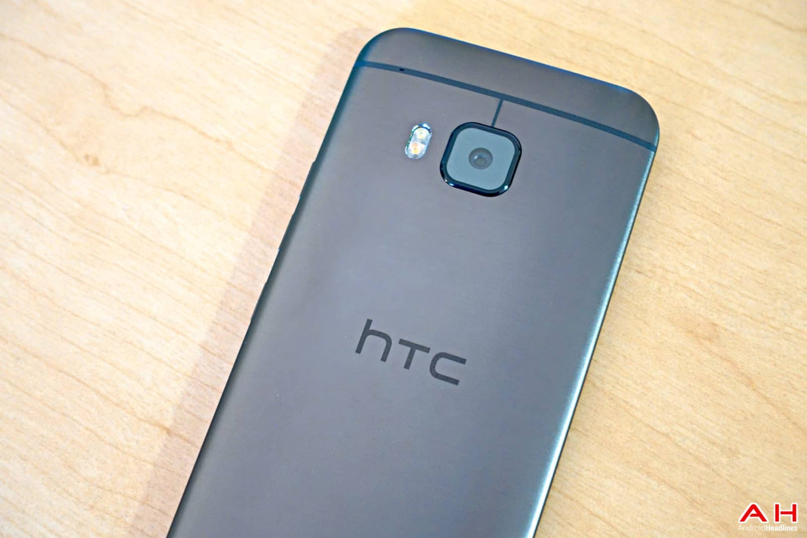 AH HTC One M9 2015 Chris --66