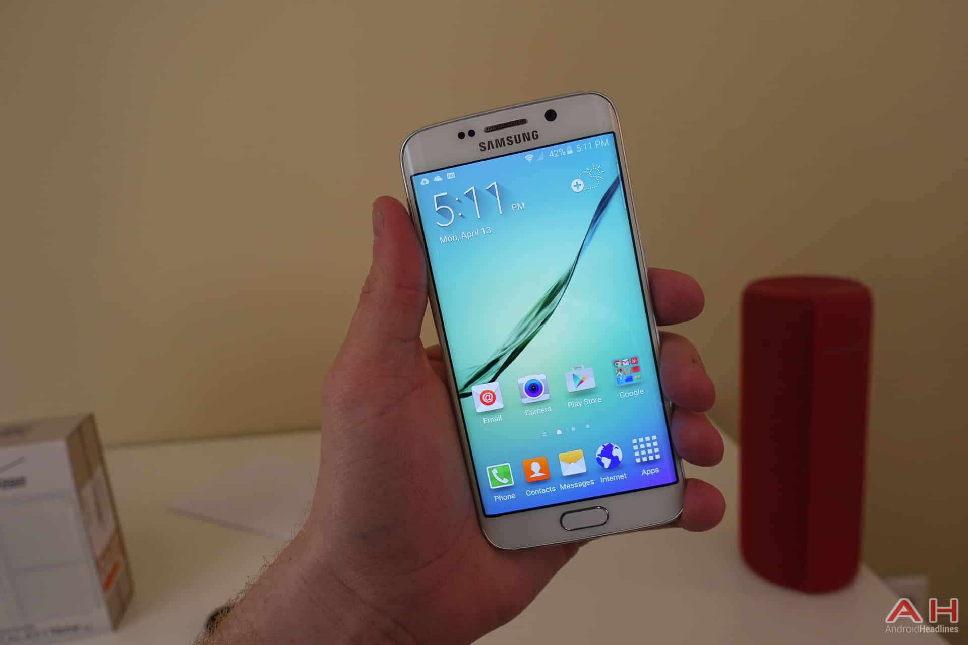 Samsung-Galaxy-S6-Edge-AH-1