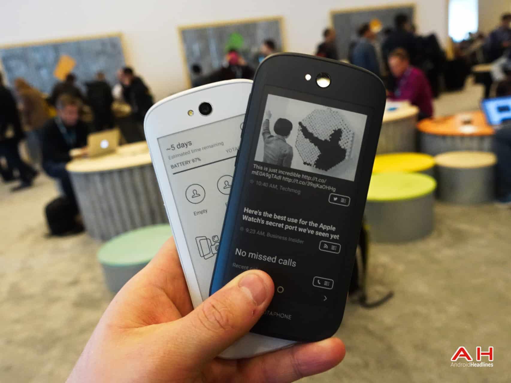 AH YotaPhone 2 17