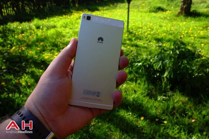 Featured Review: Huawei P8