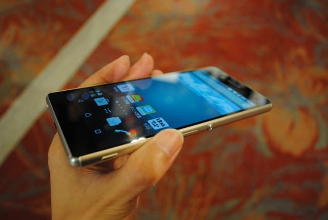 Sony Xperia Z4 hands-on (SoftBank's image)_7
