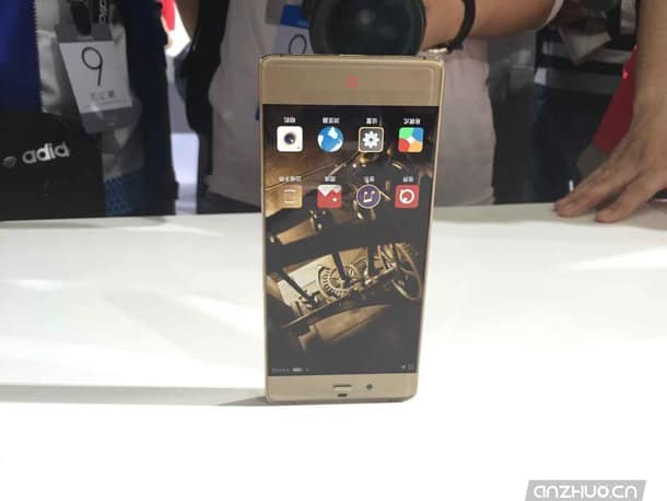 ZTE Nubia Z9 hands on from China 16