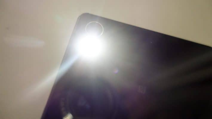Featured: Top 10 Best Flashlight Apps for Android