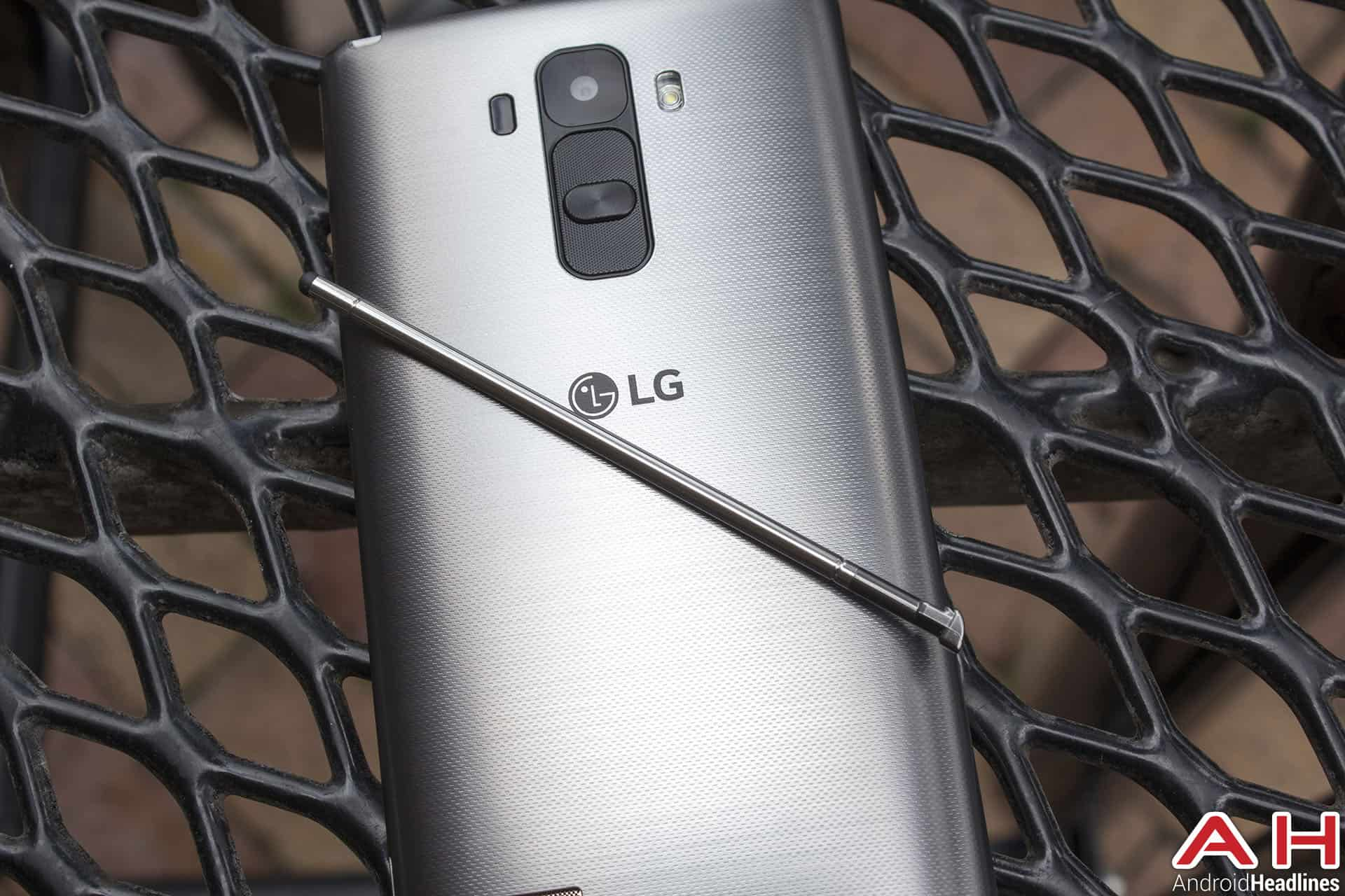 The Design Itself Is Unique And Very Lg Looking, With The Volume And Power  Buttons