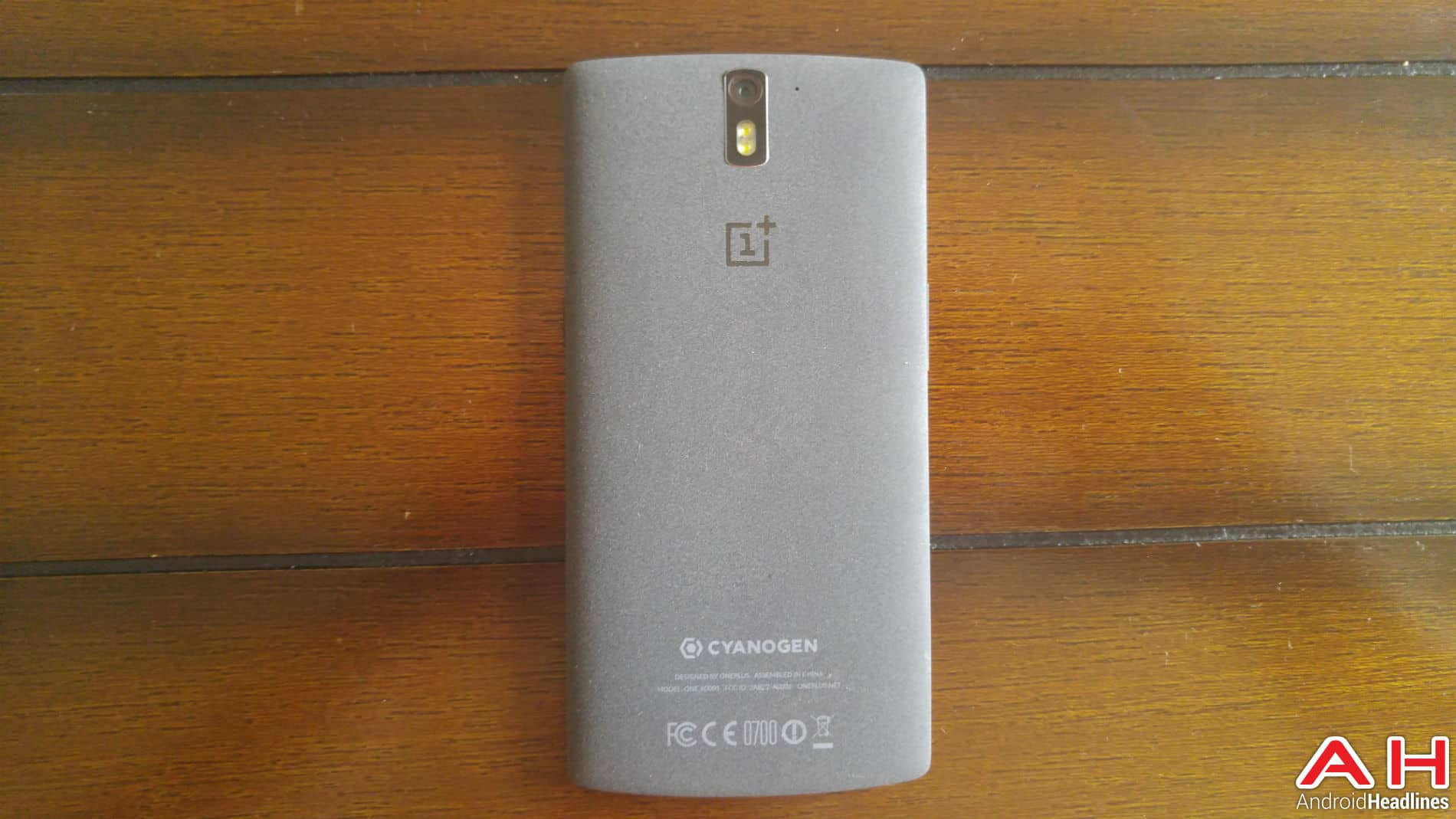 OnePlus One AH Full View