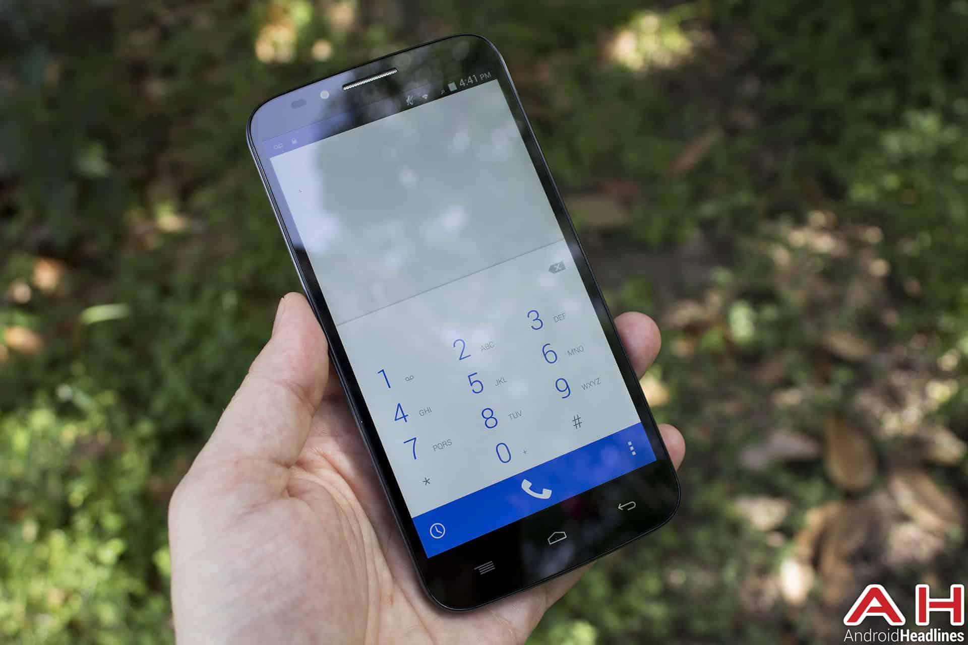 Umi-emax-review-AH-phone