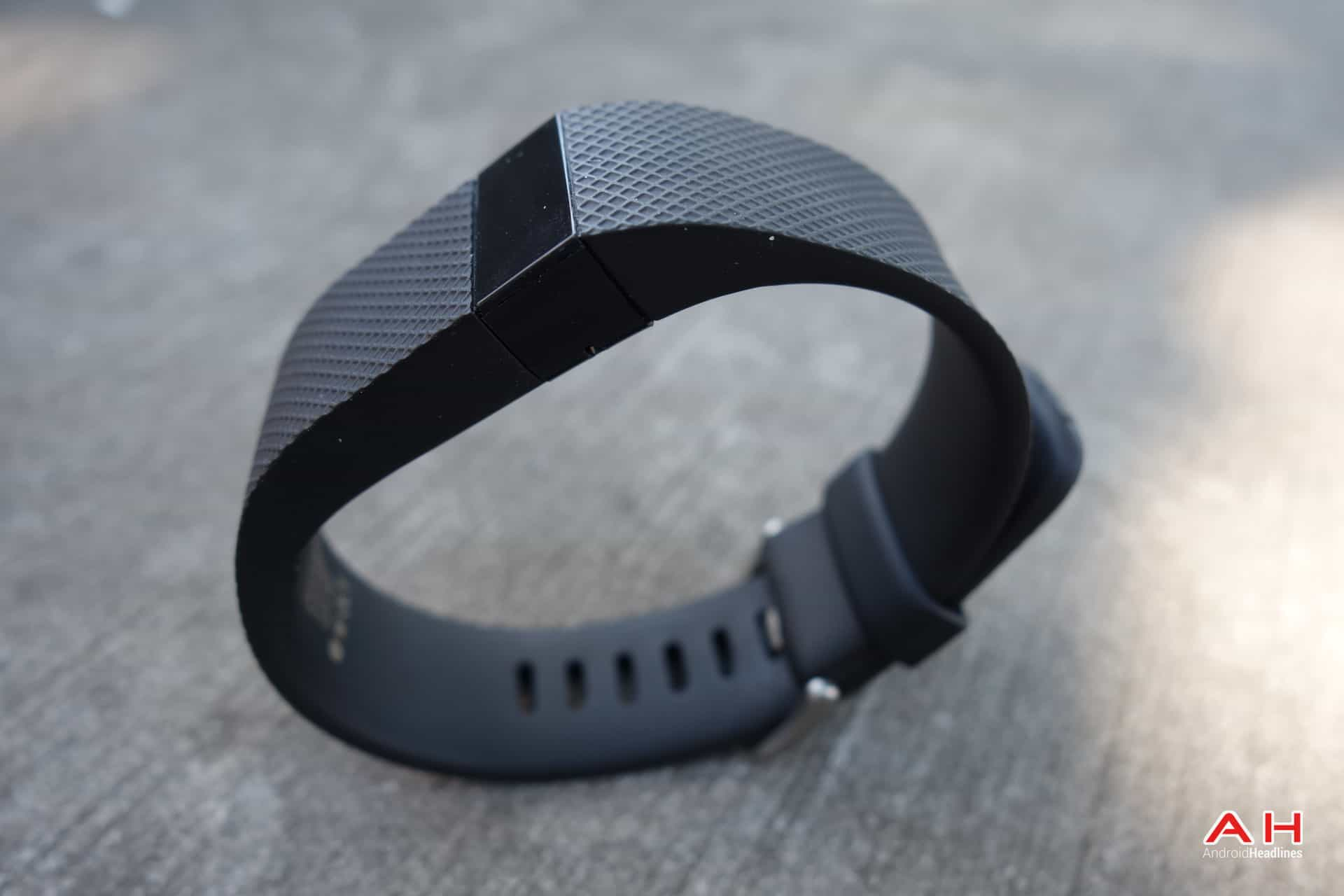 AH Fitbit Charge HR-14