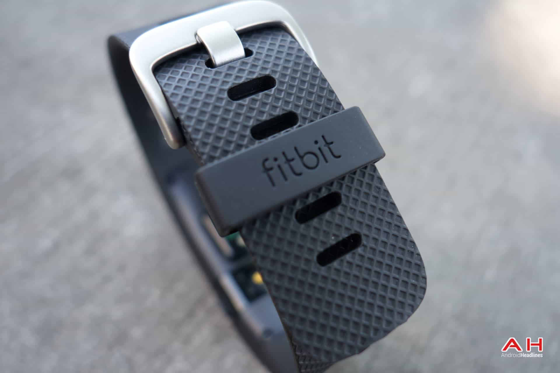 AH Fitbit Charge HR-16