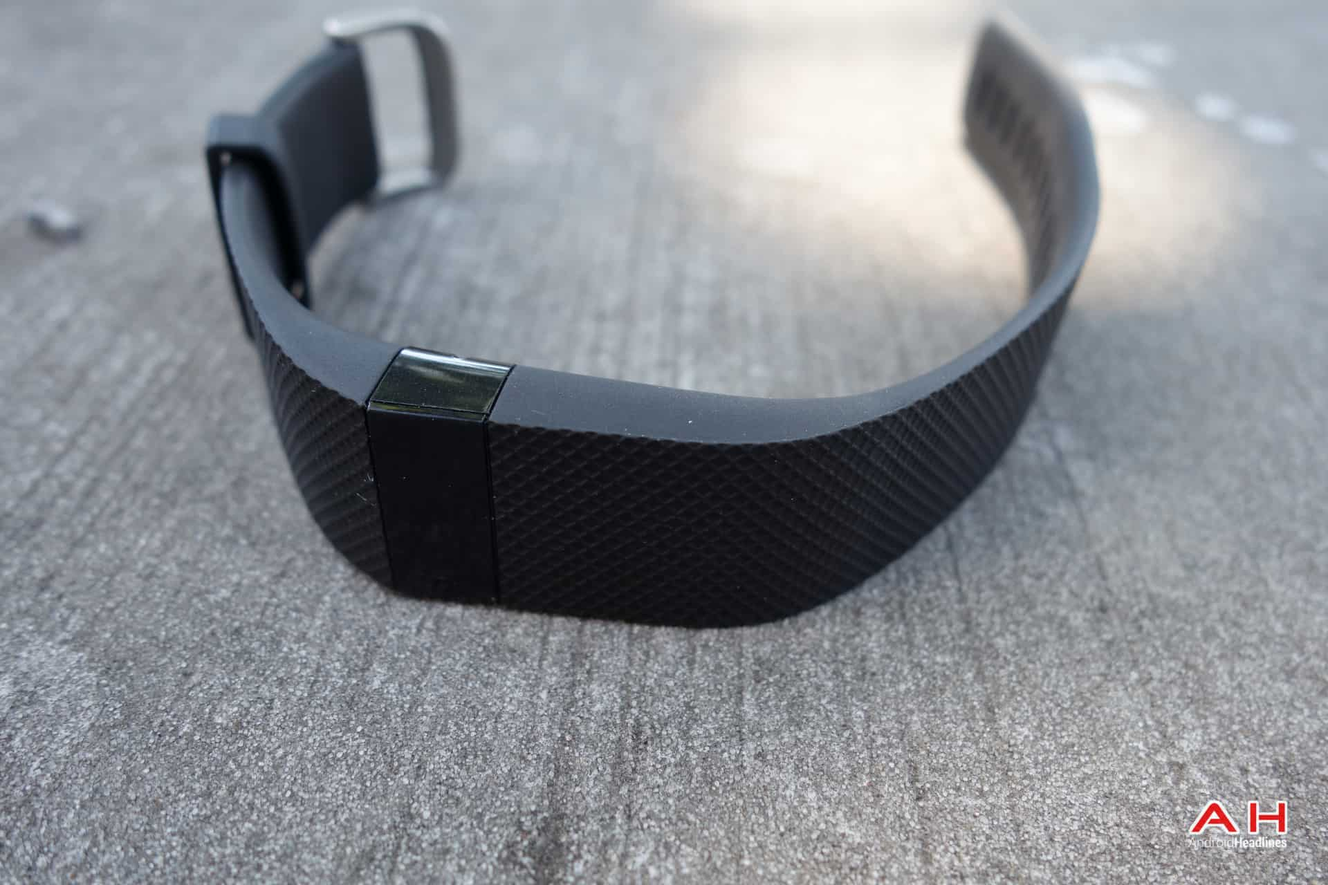 AH Fitbit Charge HR-19
