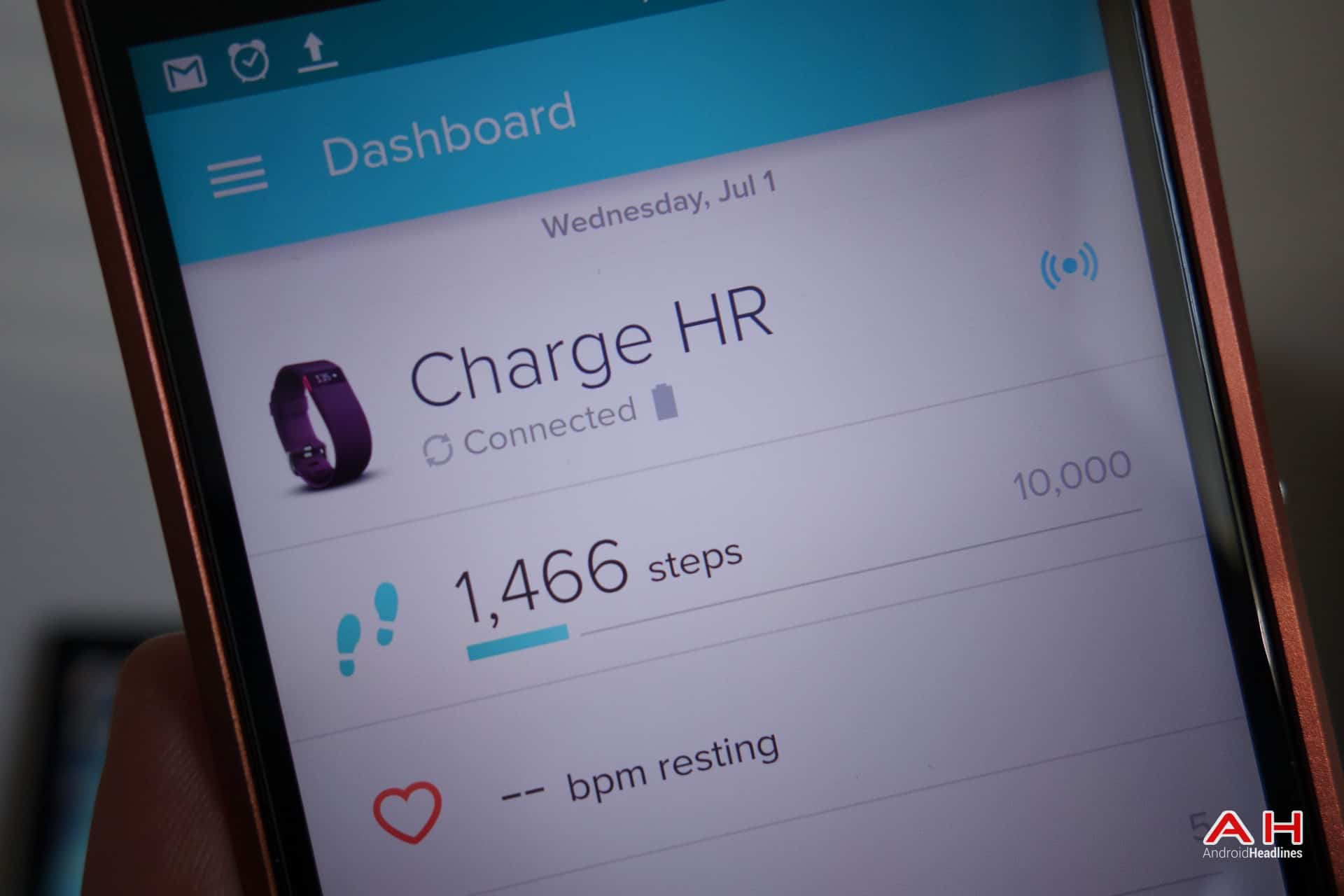 AH Fitbit Charge HR-2-1