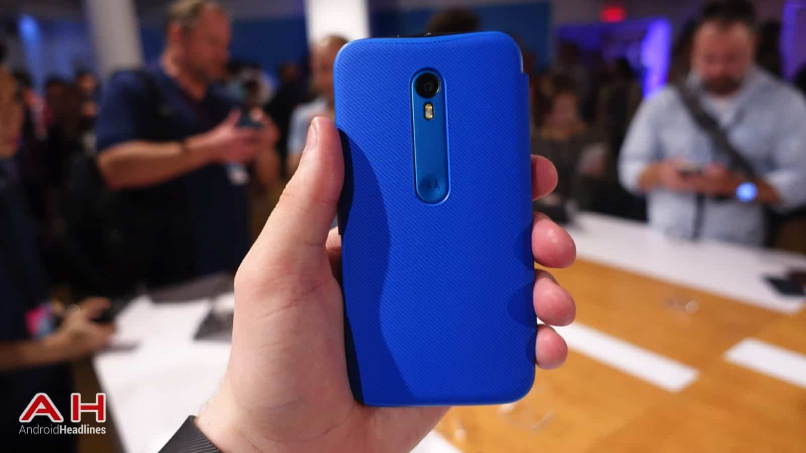 Moto G 2015 Hands On AH 25