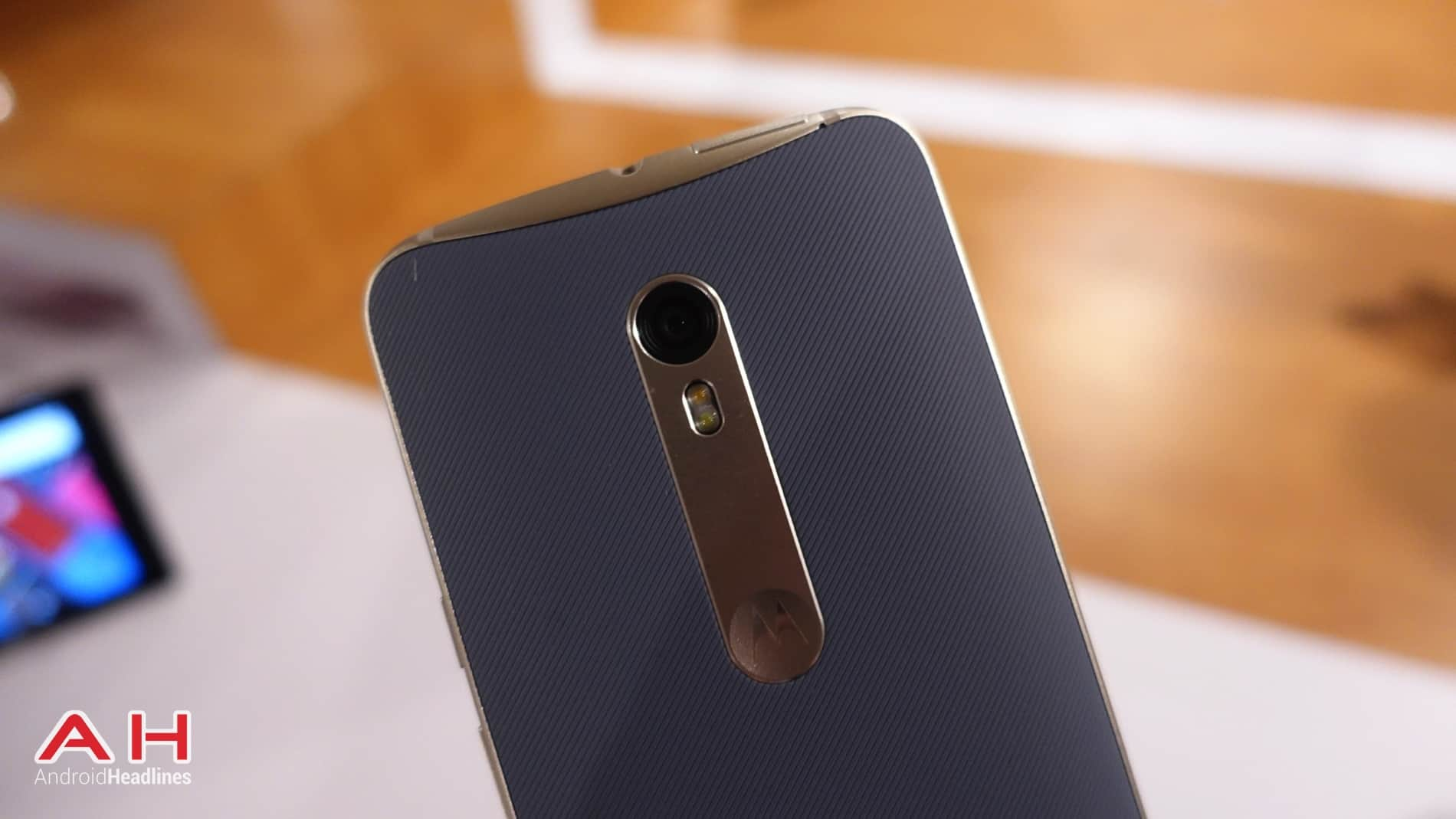 Moto X Style Hands On AH 11