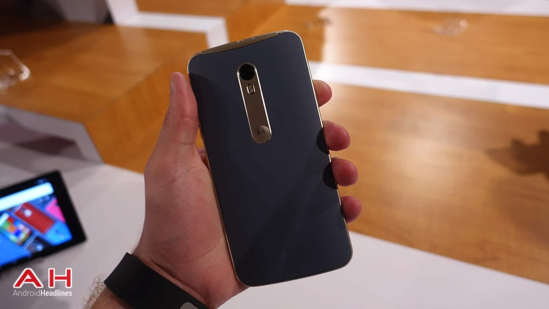 Moto X Style Hands On AH 12