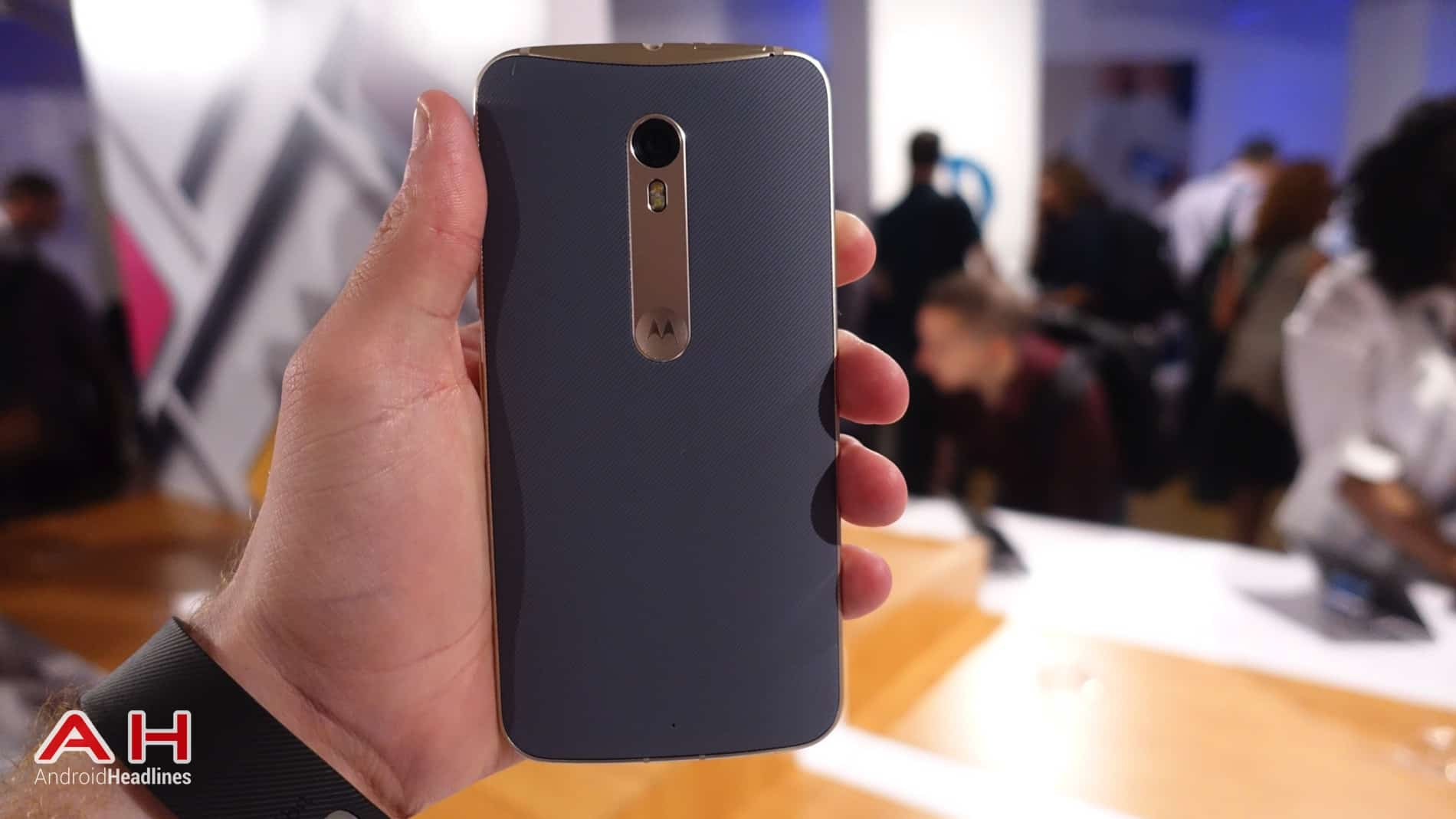 Moto X Style Hands On AH 13